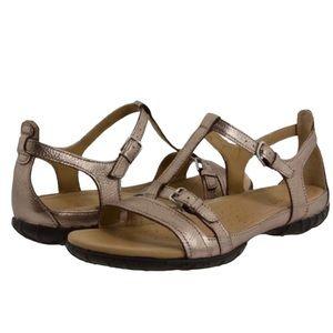 Ecco Groove t-strap Walking Sandal Gold EU 37